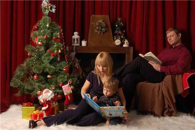 фотосессия у рождественского белого камина